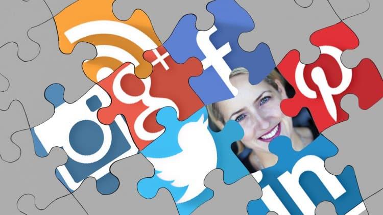 SocialMedia Audit and Benchmark